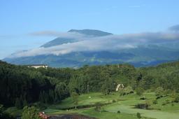 朝の黒姫山