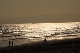 午後の太陽にかがやく海とえぼし岩