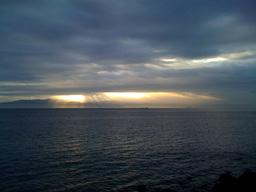 駿河湾の朝日